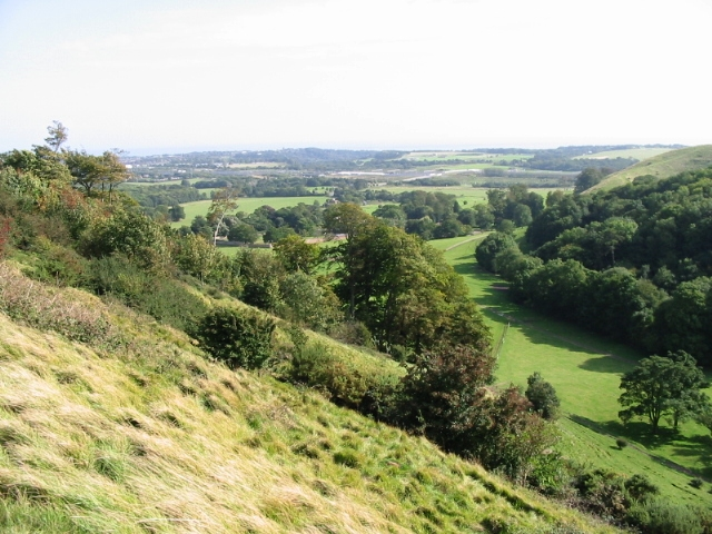 Looking down the escarpment towards Beachborough - geograph.org.uk - 970292
