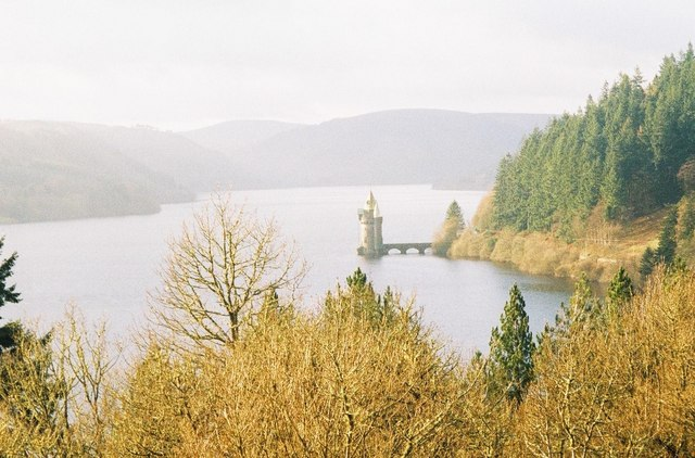 Looking up Lake Vyrnwy - geograph.org.uk - 493401
