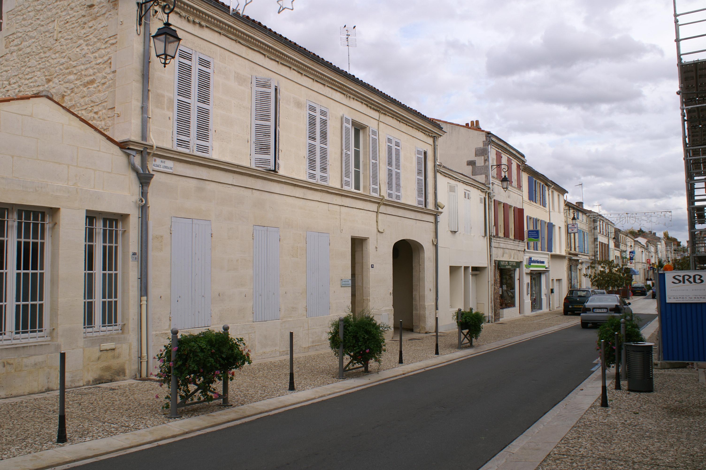 Tonnay-Charente France  city photo : ... publics, Tonnay Charente, Charente Maritime, France 20101030