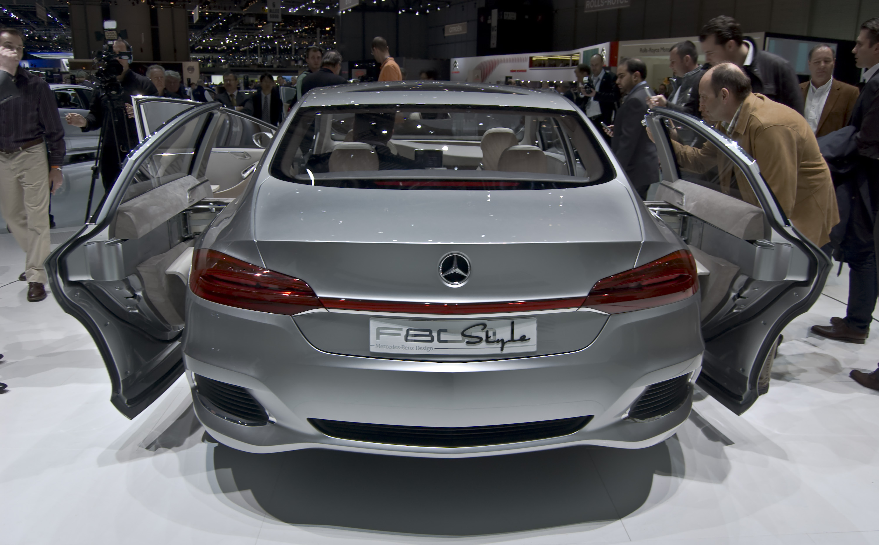 Datei mercedes benz f800 style wikipedia for Mercedes benz style