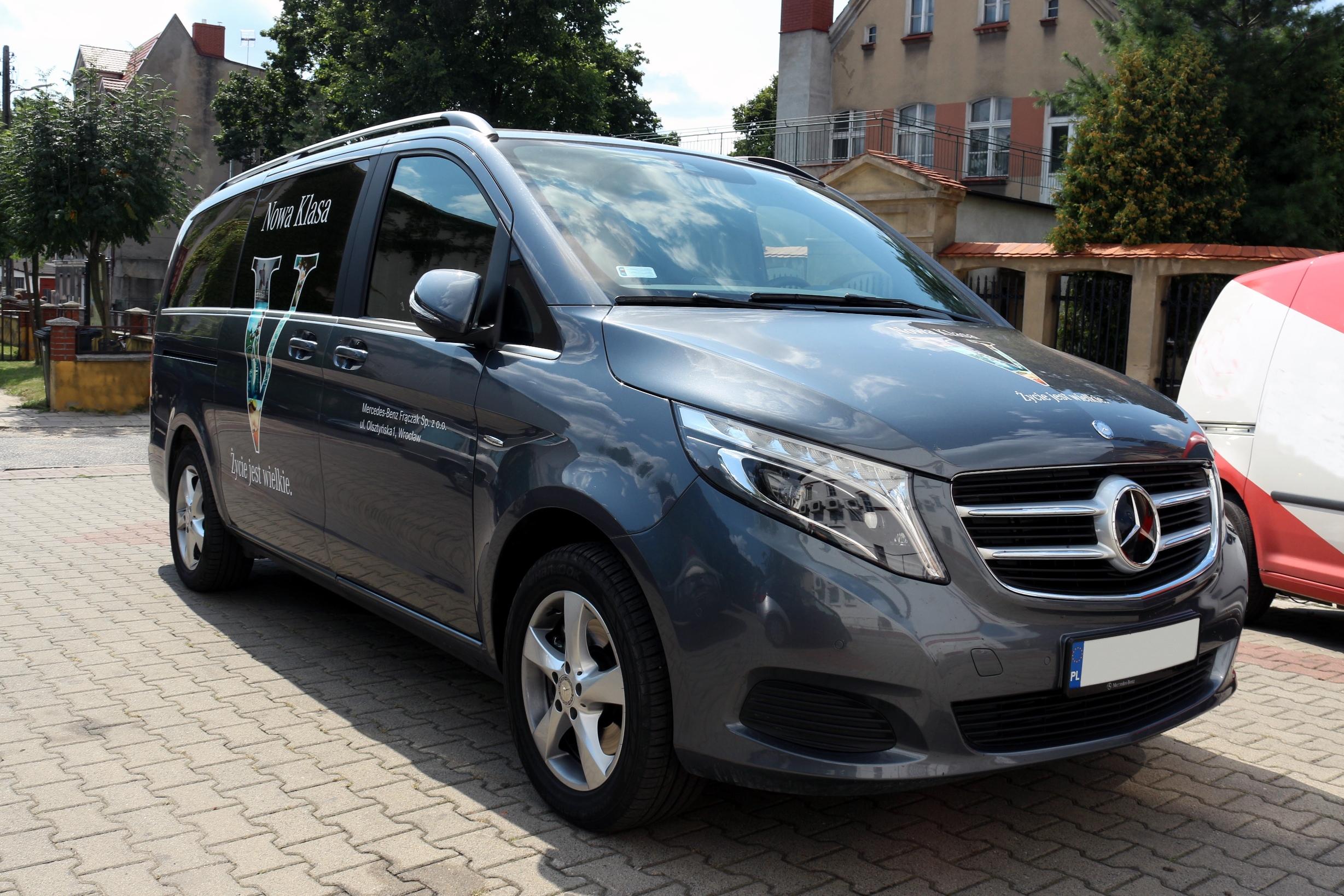 File:Mercedes benz w447 v250 (2014) grey.jpg - Wikimedia ...