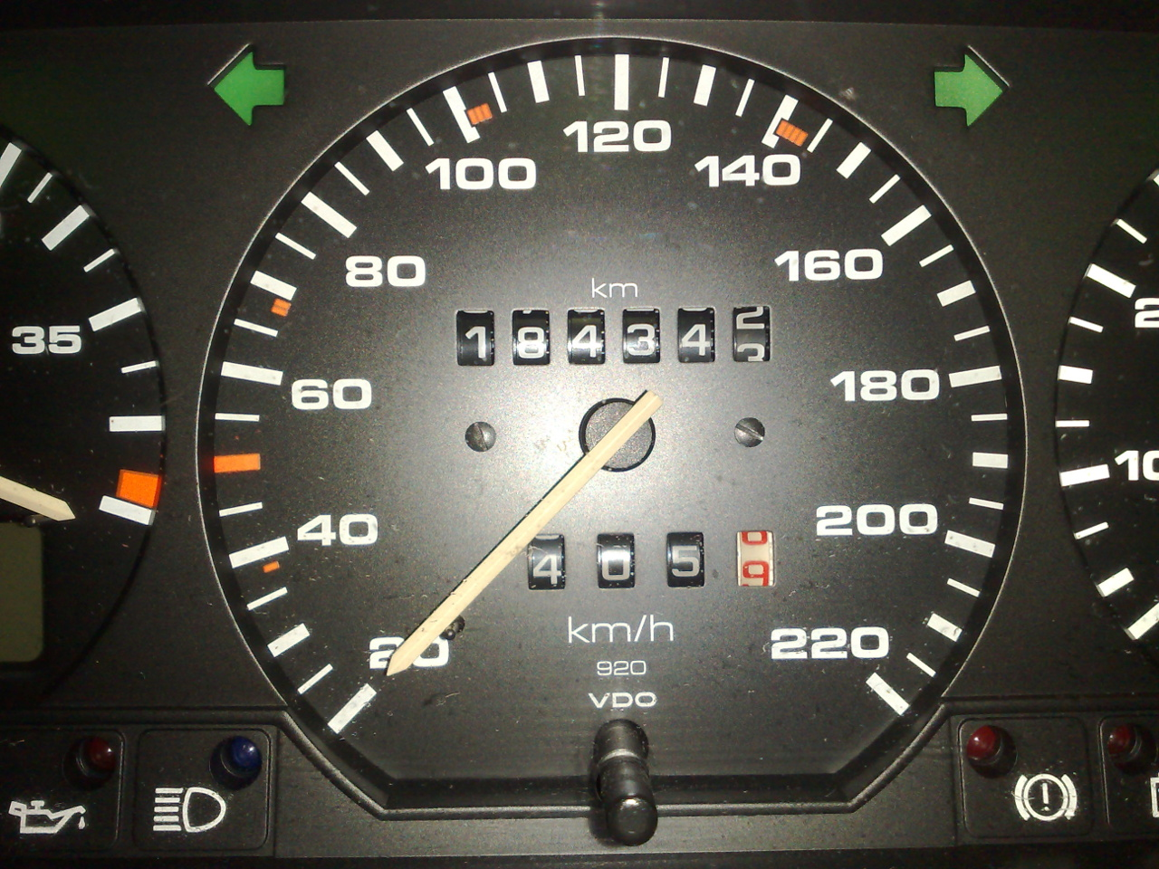FileMetric speedometer from a 1992 Eurospec Passat B3