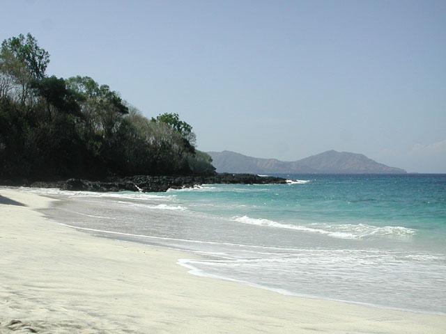 Berkas:Padangbai Secret Beach 1.jpg