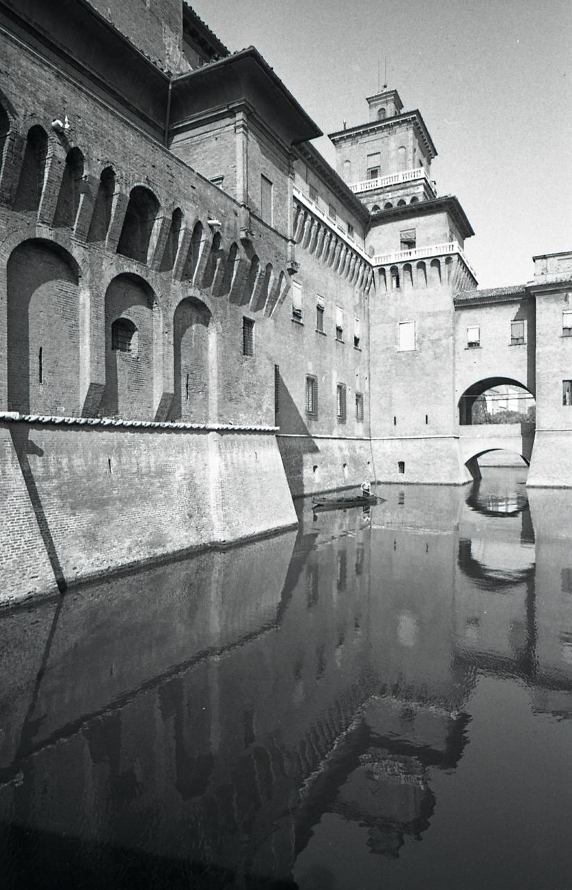 File paolo monti servizio fotografico ferrara 1965 for Materiale fotografico milano
