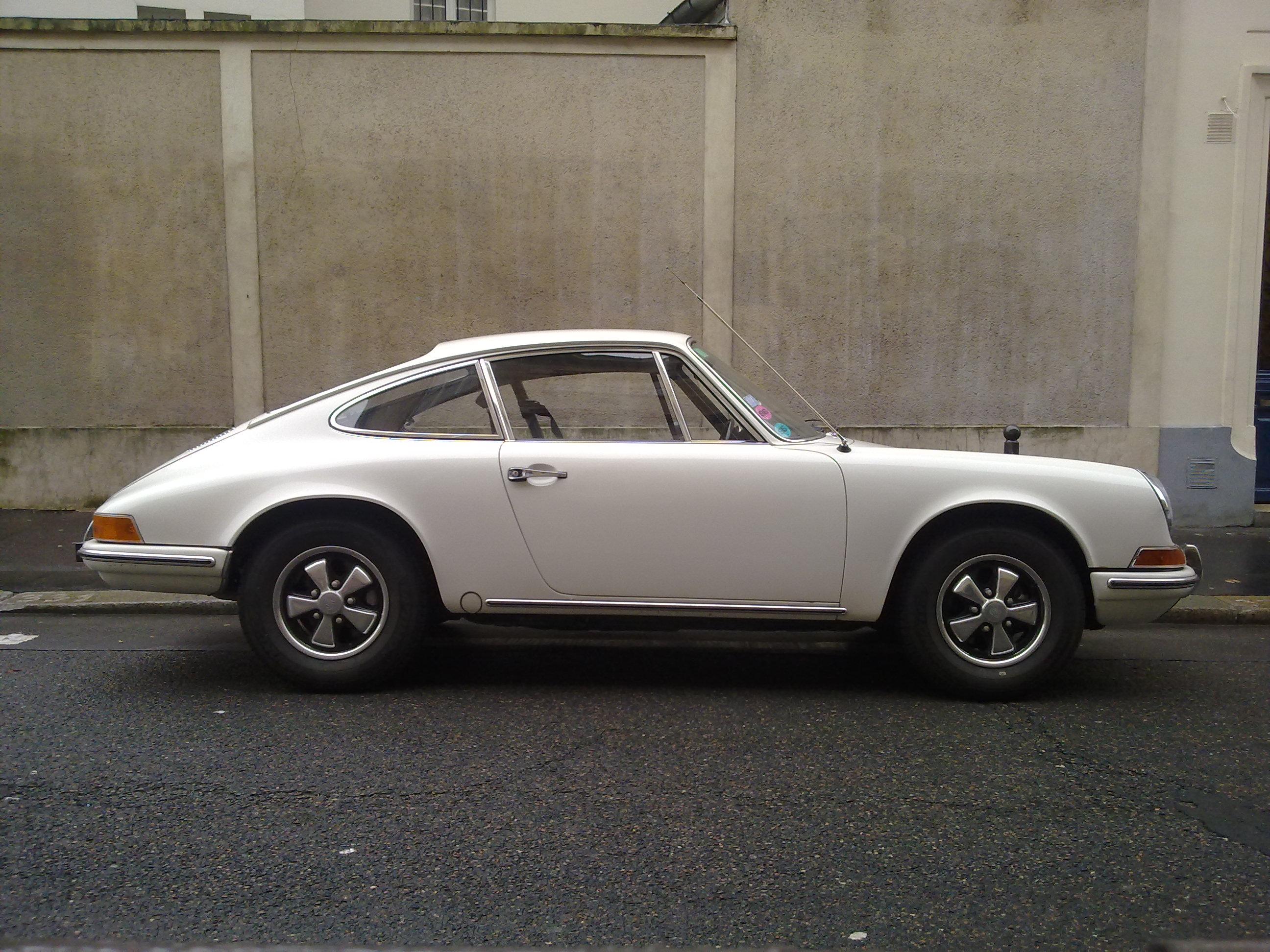 File:Porsche 912 Side view.jpg