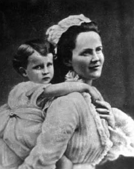 Queen Elisabeth of Romania with her daughter Maria