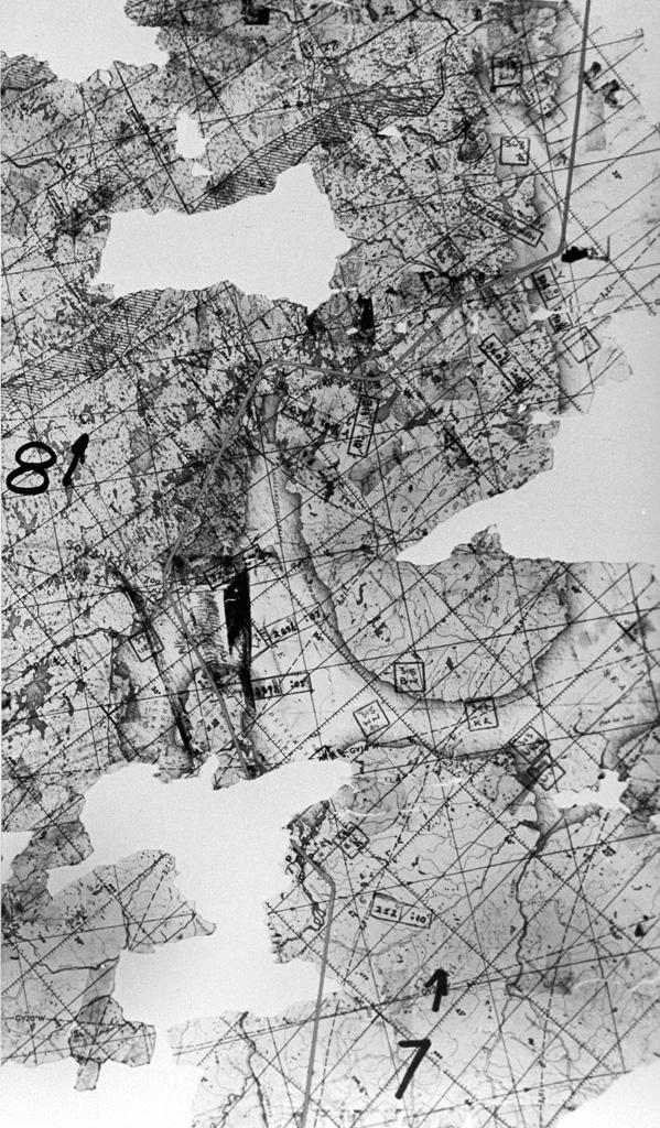 Кусок карты (окрестности Белого моря) с полётным заданием, найденный в сбитом U2.
