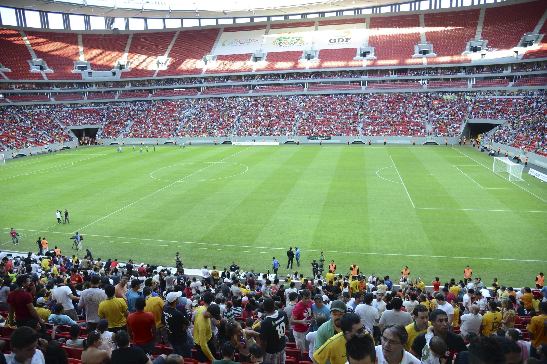 File Reinaugura§£o Mané Garrincha 3 Wikimedia mons