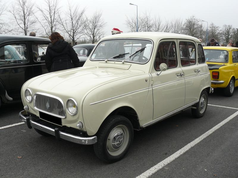 Depiction of Renault 4