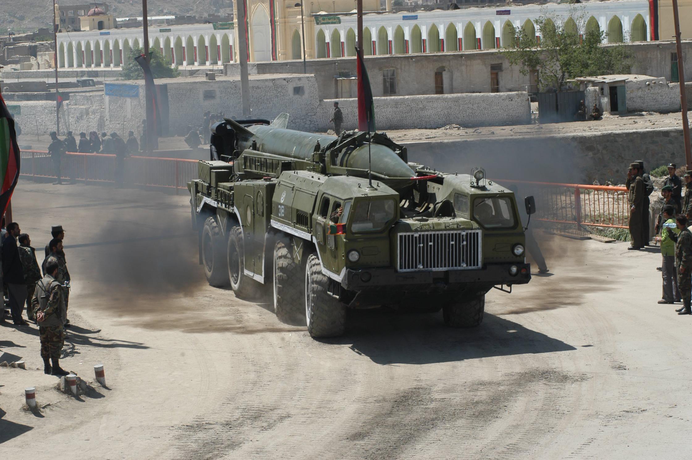 vehiculos lanzamisiles y anti-aereos (argentinos,rusos etc)