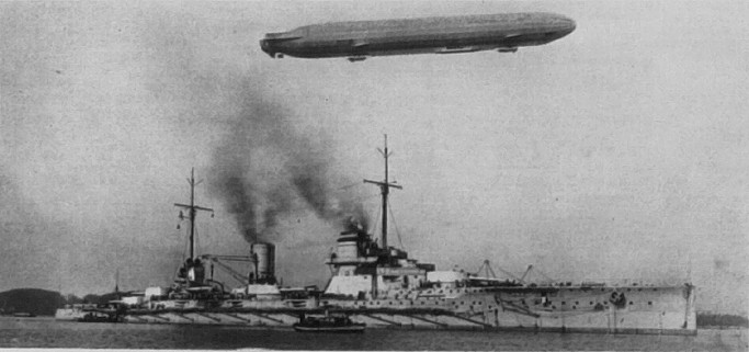 File:SMS Seydlitz mit Zeppelin.jpg