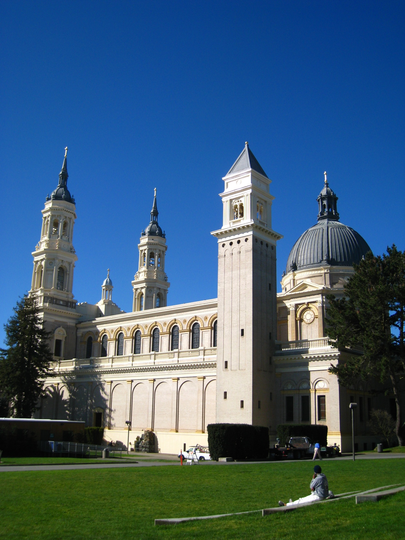 file saint ignatius church university of san francisco left side  file saint ignatius church university of san francisco left side view jpg