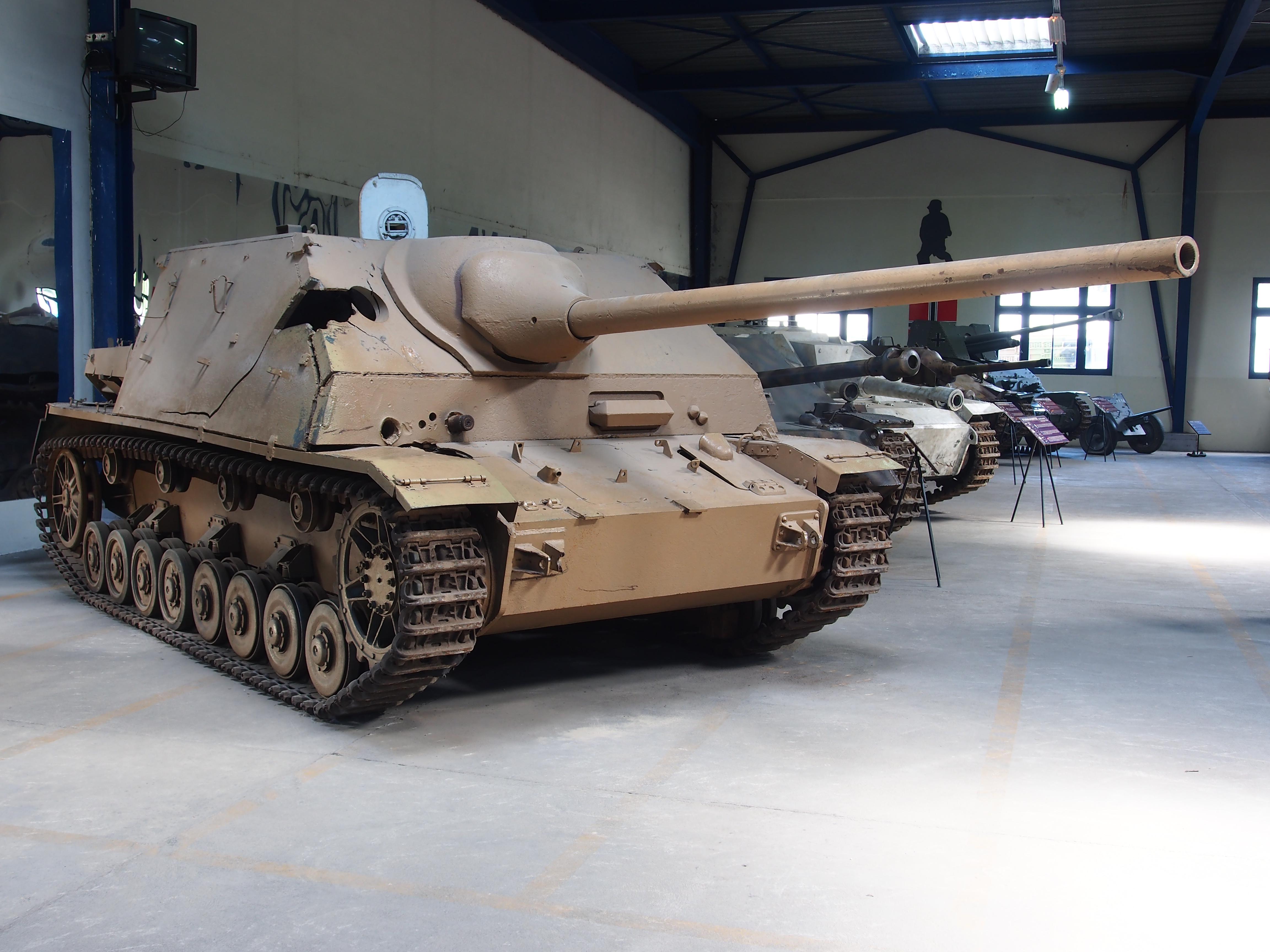 File:Sd.Kfz. 162-1 Jagdpanzer IV-70(A) in the Mus\u00e9e des ...