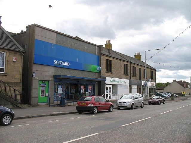 Shops%2C_Harthill_-_geograph.org.uk_-_1078863.jpg?profile=RESIZE_710x