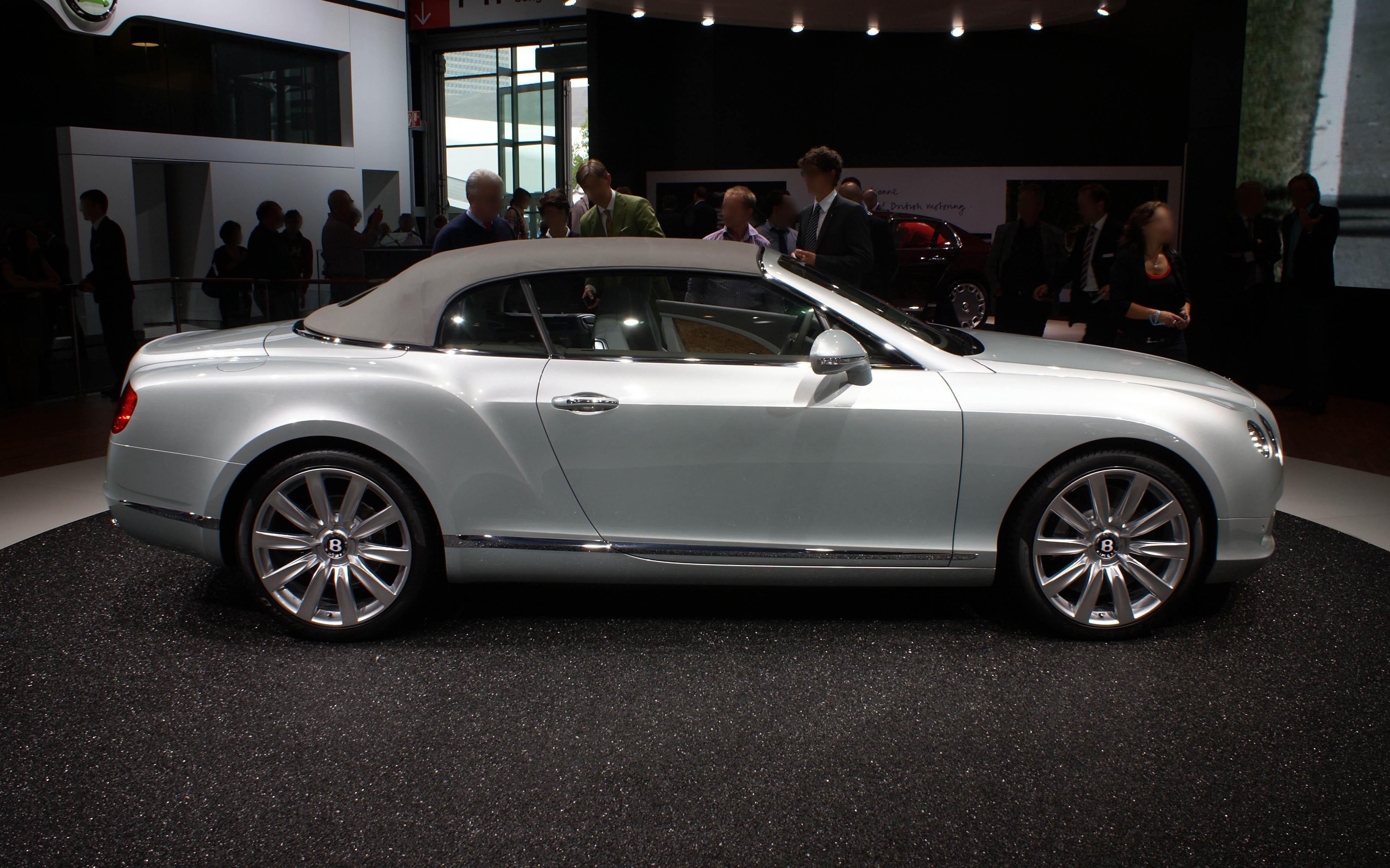 File Silver Bentley New Continental Gtc R Op Iaa 2011 Jpg