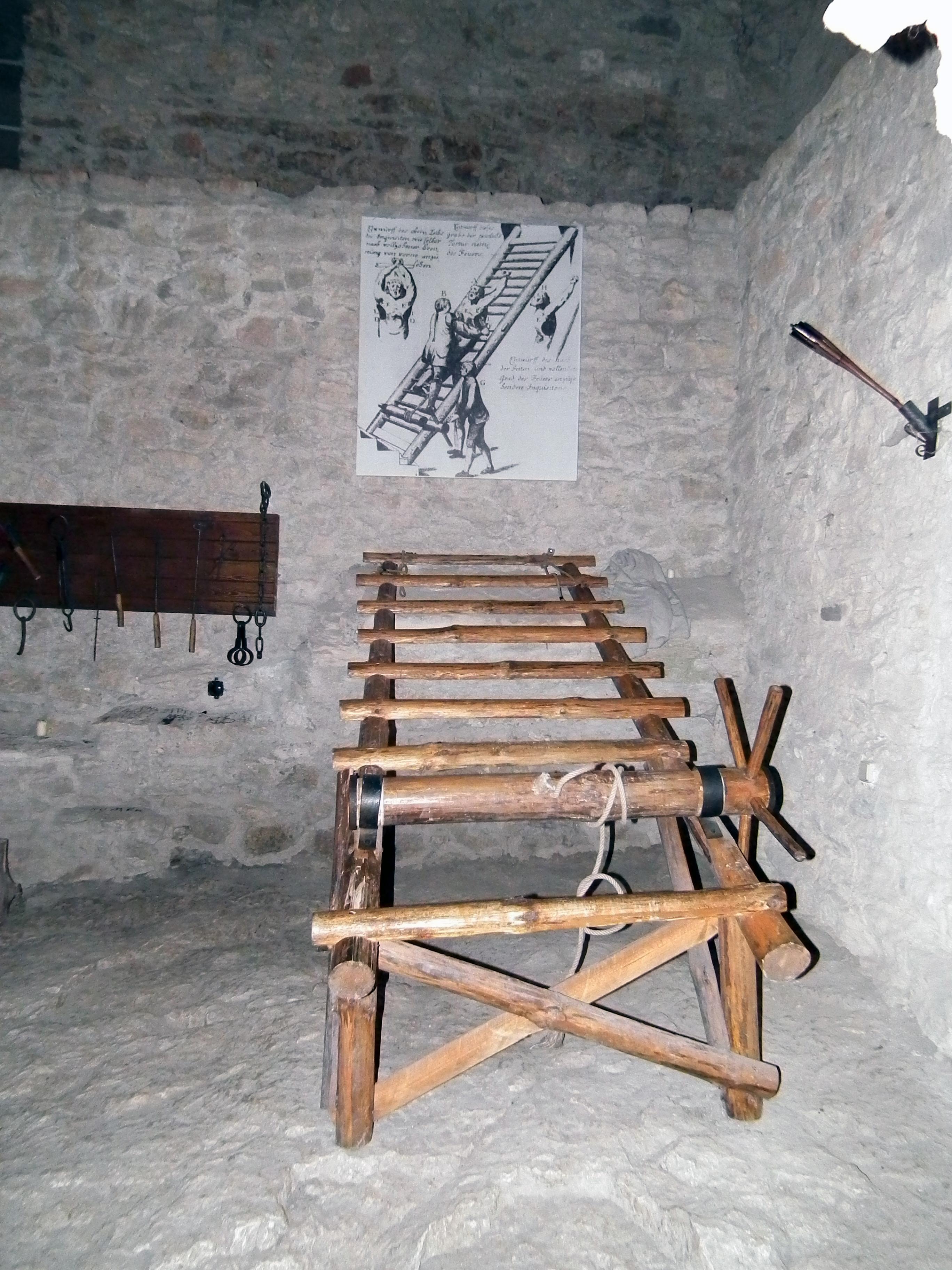 Medieval torture 1 - 5 8