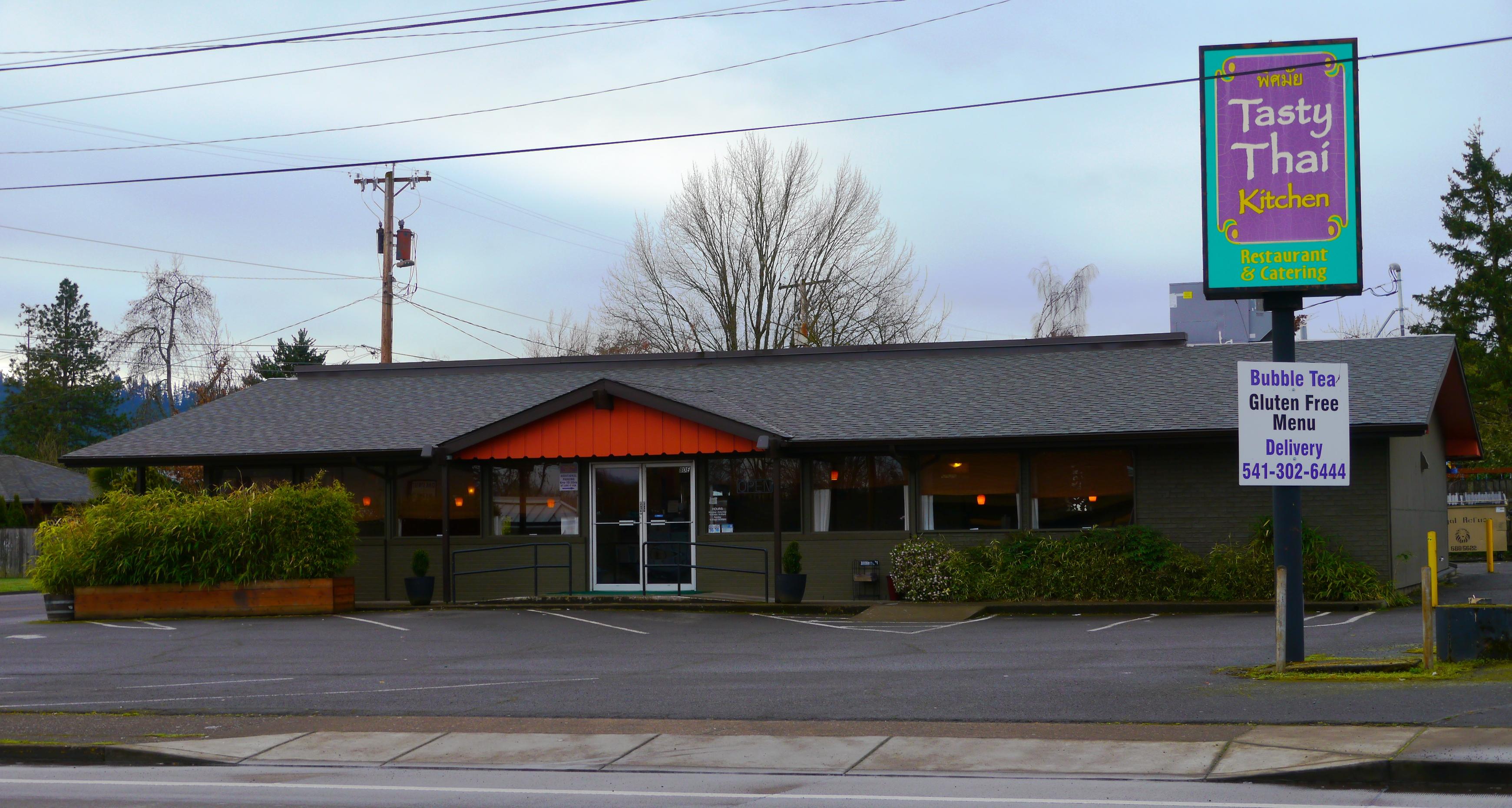 File:Tasty Thai Kitchen in Eugene, Oregon.jpg - Wikimedia Commons