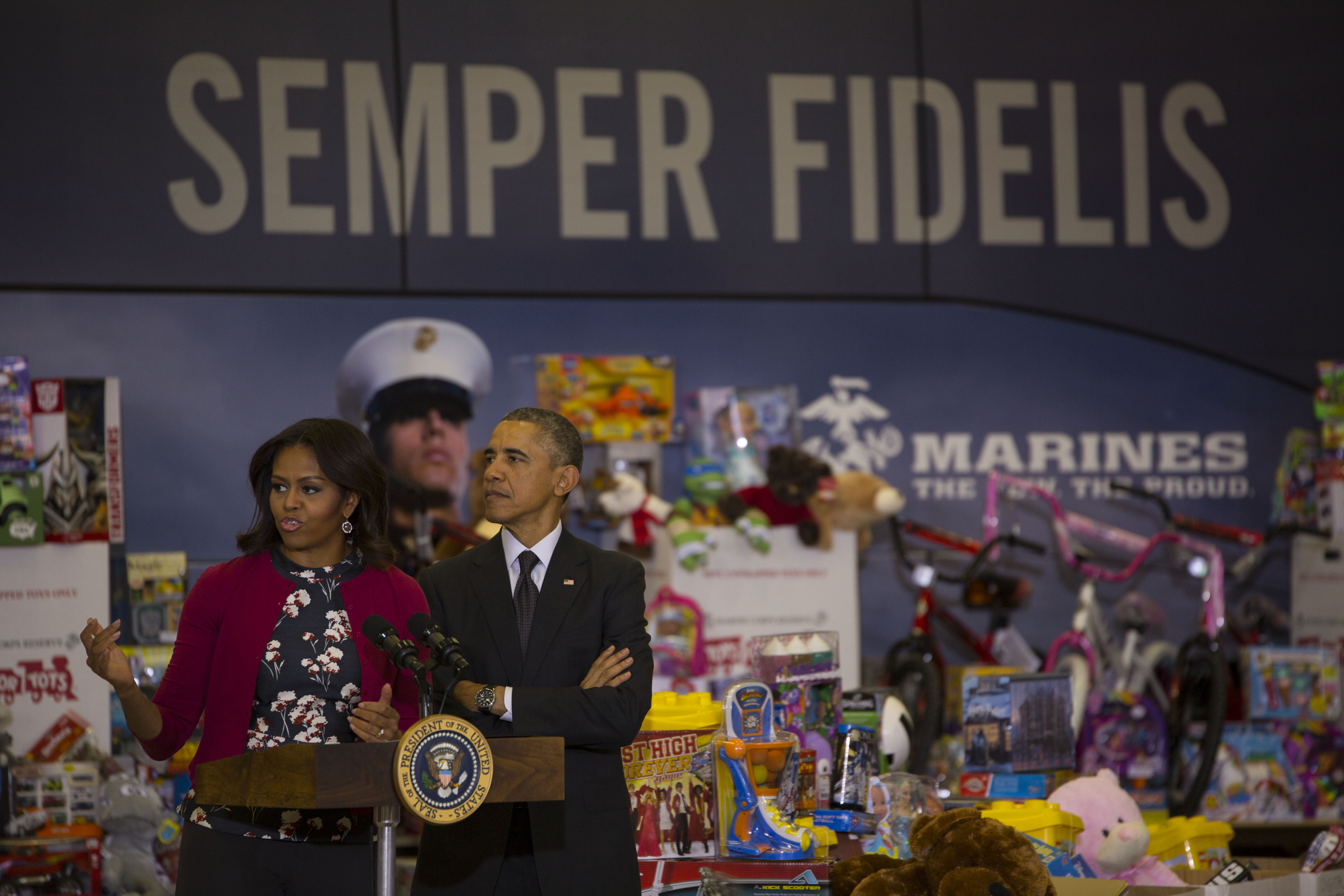 Toys For Tots History : File toys for tots president barack obama visits joint