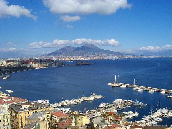 Neapolský záliv, zdroj: wikipedie.cs