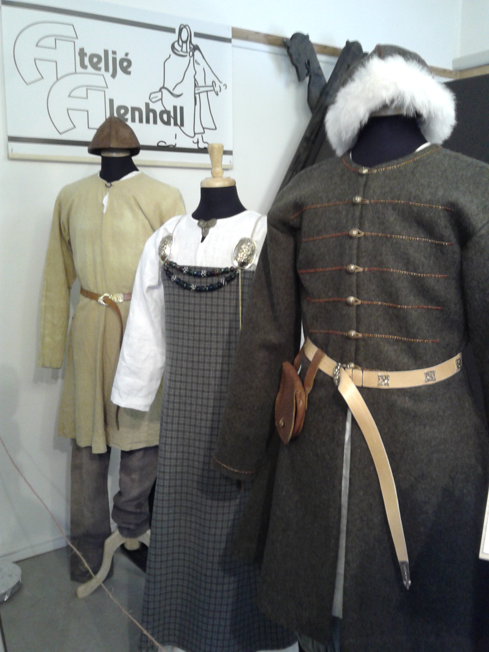 fileviking age clothes replicas from sweden 1jpg