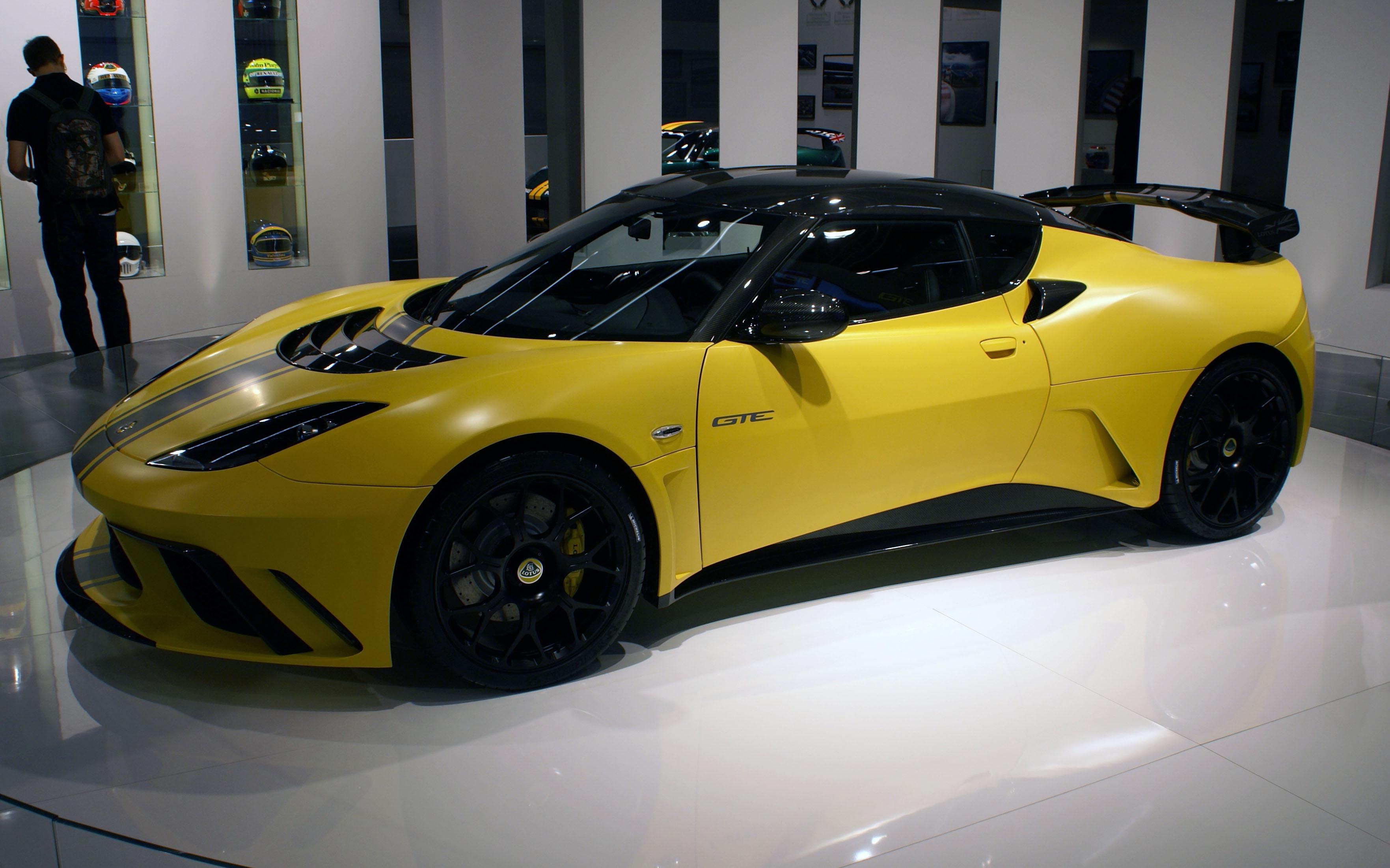 Description Yellow Lotus Evora GTE IAA 2011