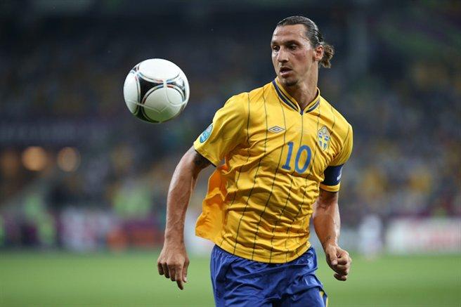 [Image: Zlatan_Ibrahimovi%C4%87_Euro_2012_vs_France_03.jpg]