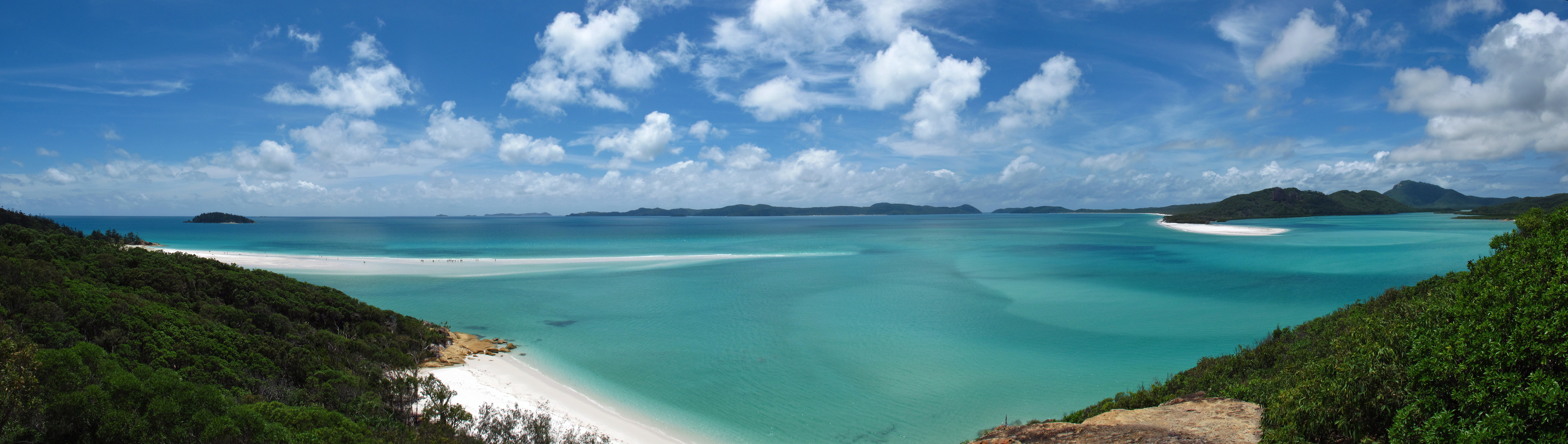an overview of the australian islands whitsundays Whitsunday islands national park is a group of continental islands lying off the queensland coast 25km east of airlie beach.