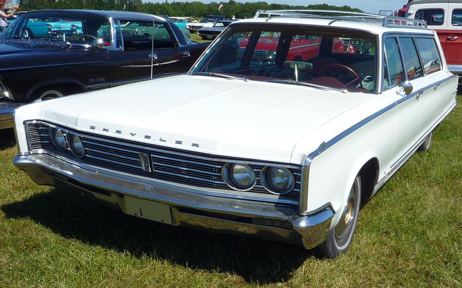 File 1966 Chrysler Town Amp Country Jpg Wikimedia Commons
