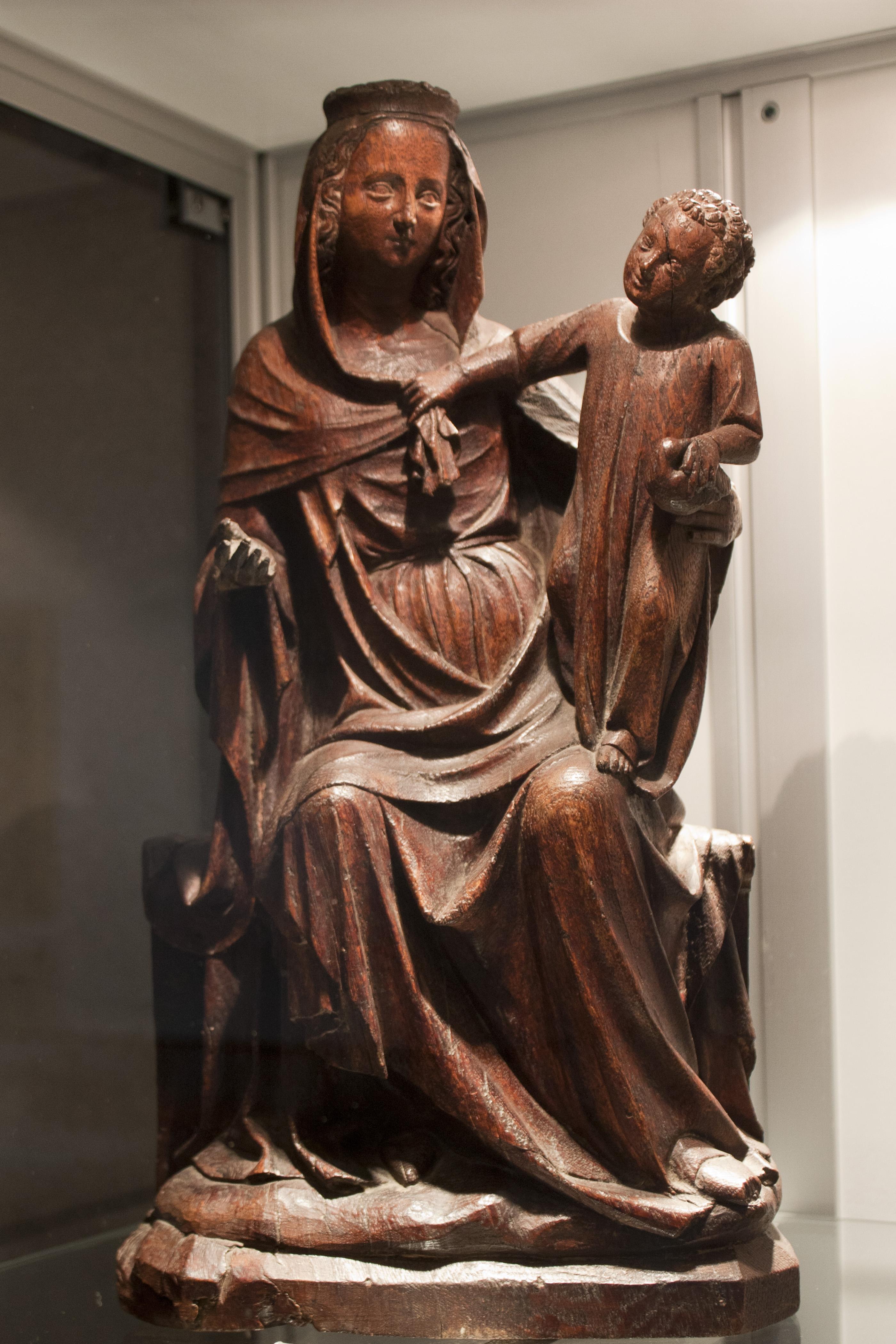 file abbaye robert de la chaise dieu vierge 224 l enfant vf 20121007 jpg wikimedia commons