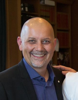 Adam Olsen - Wikipedia