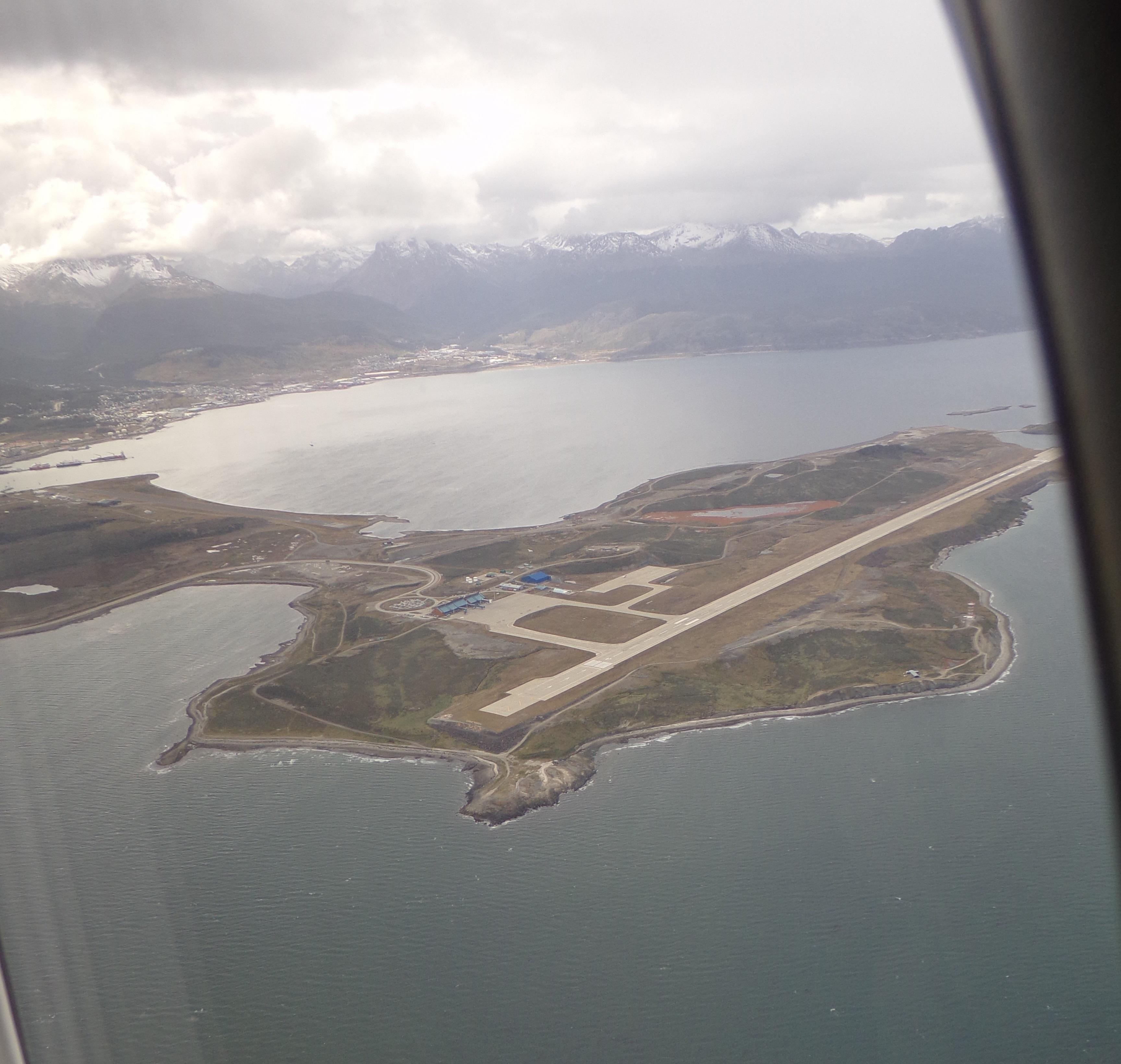 Aeroporto Ushuaia : File aeropuerto malvinas argentinas ushuaia vista aérea