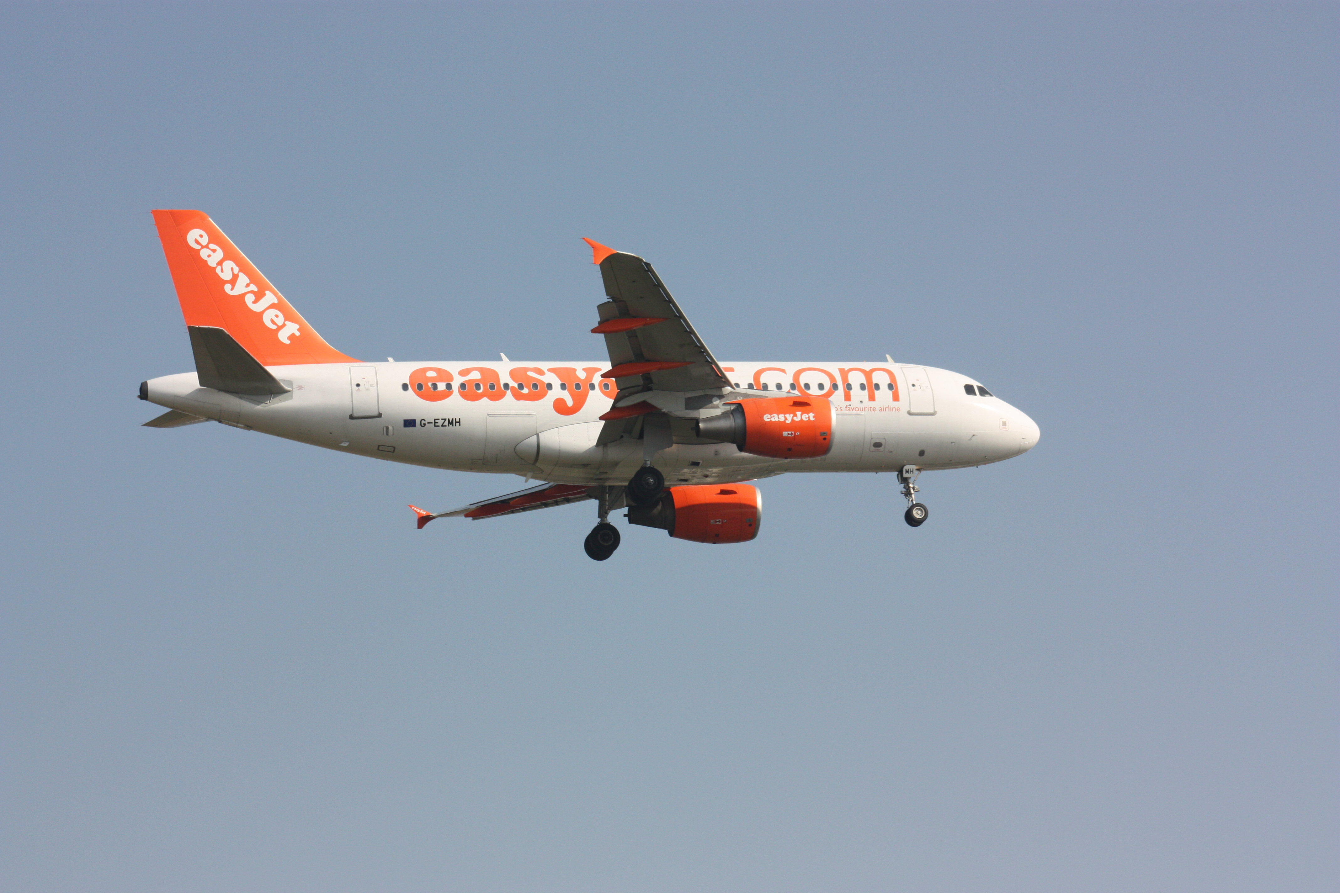 easyjet a319 - photo #40