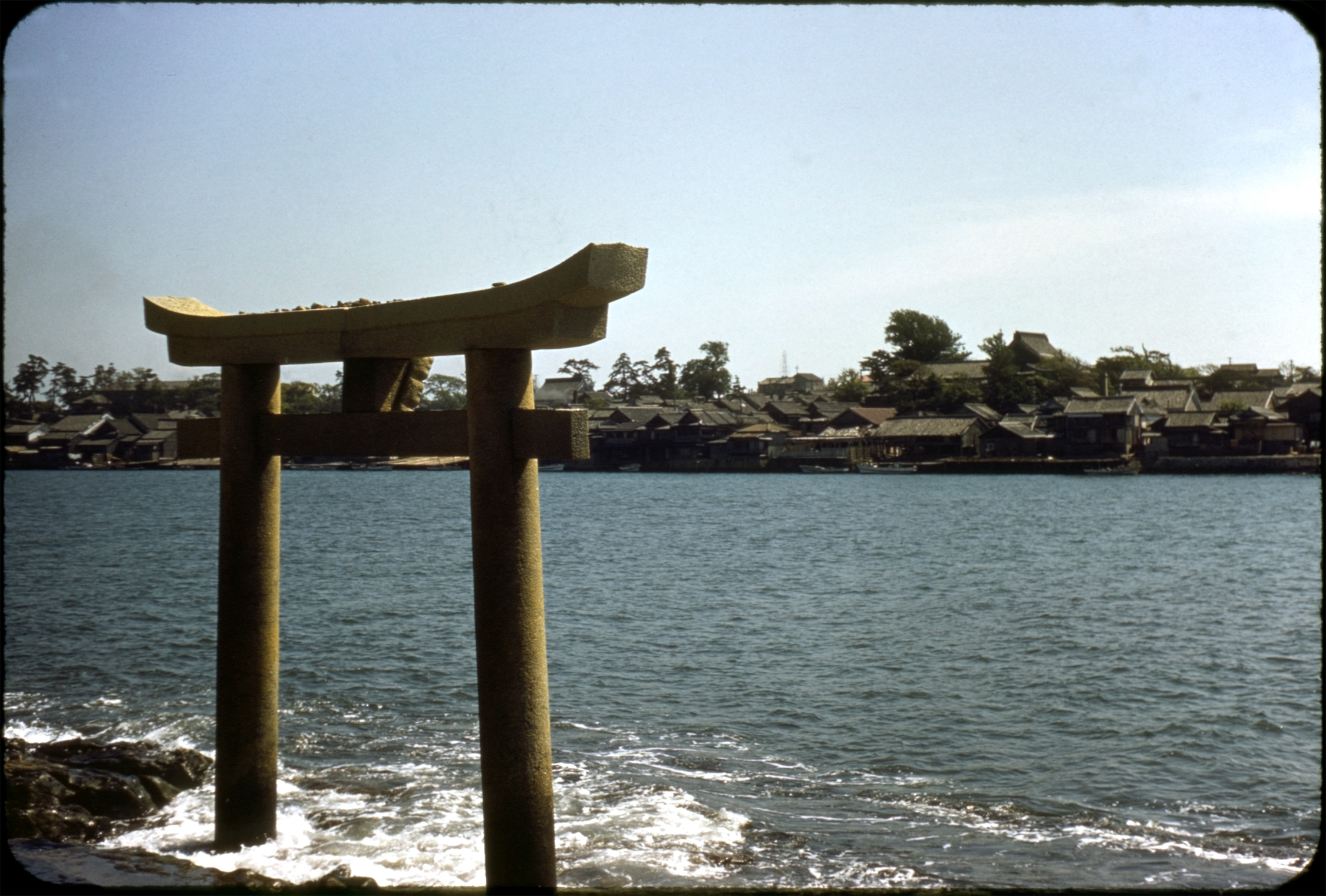 fileashiyamachi fukuoka prefecture torii at coastjpg
