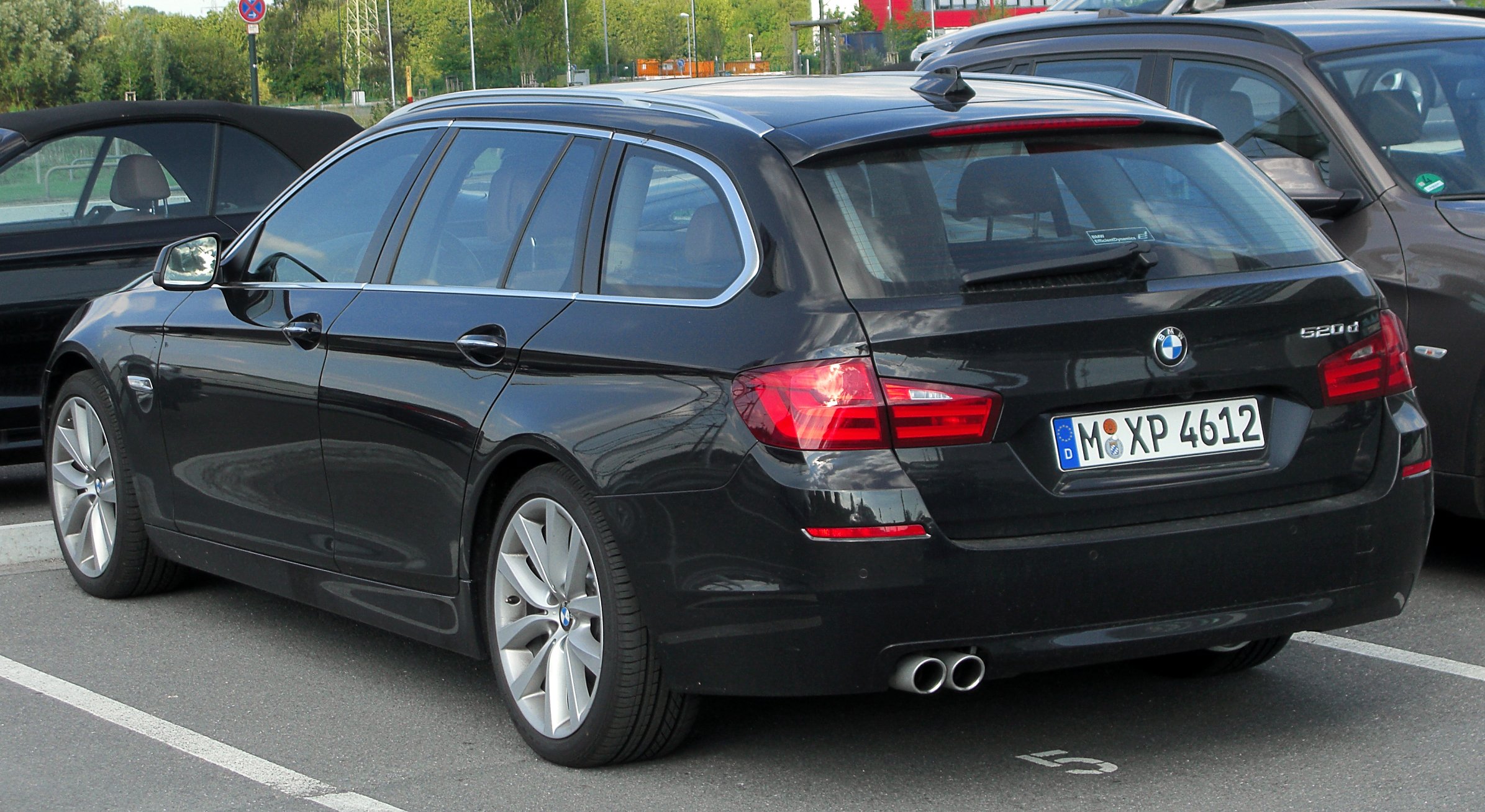 Bmw 520d Touring F11 Rear-1