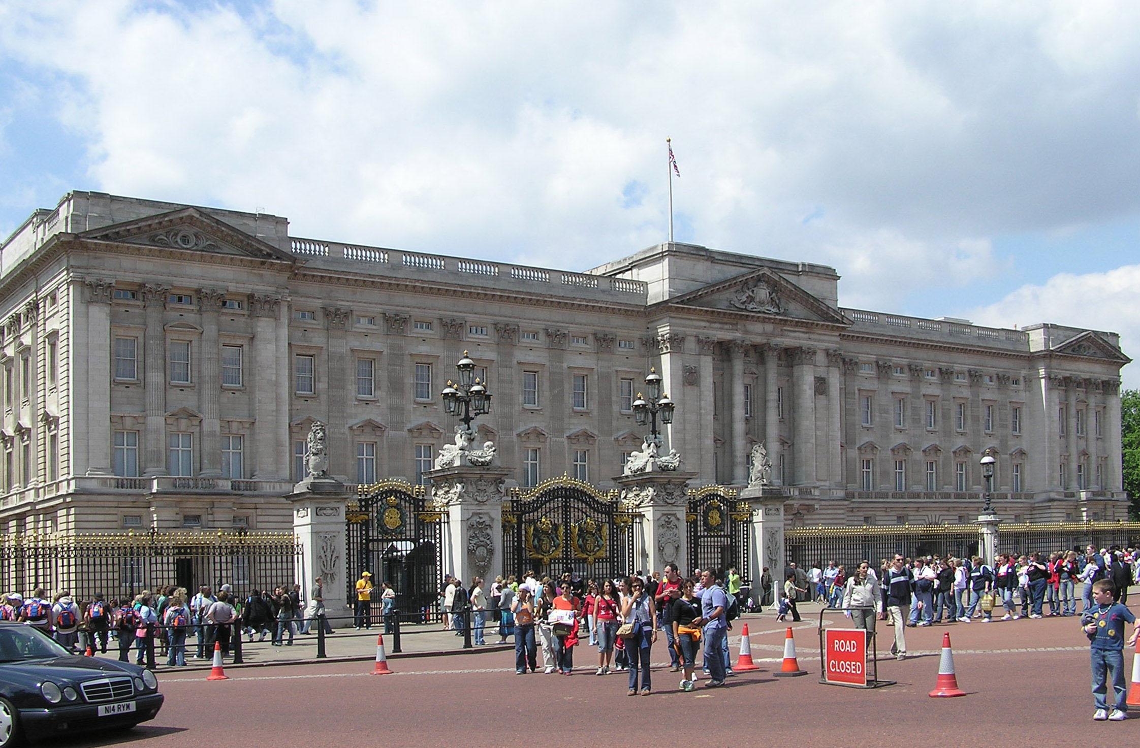 File wikimedia commons - Buckingham palace interno ...