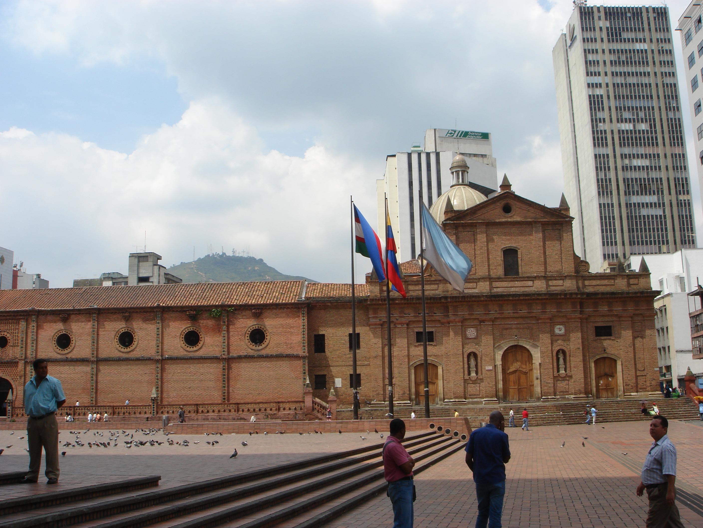 Cali Colombia  city photo : Description Buildings in Cali, Colombia