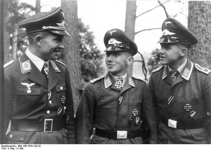 File:Bundesarchiv Bild 146-1979-128-32, Hans Kroh, Wilhelm Kempke und Erich Schuster.jpg