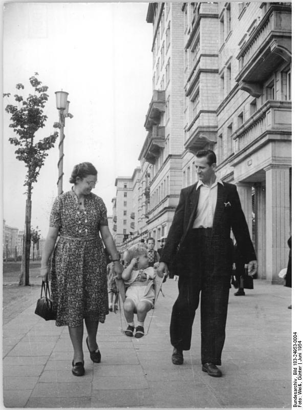 Deutsches Bundesarchiv (German Federal Archive) via Wikimedia CC 3.0