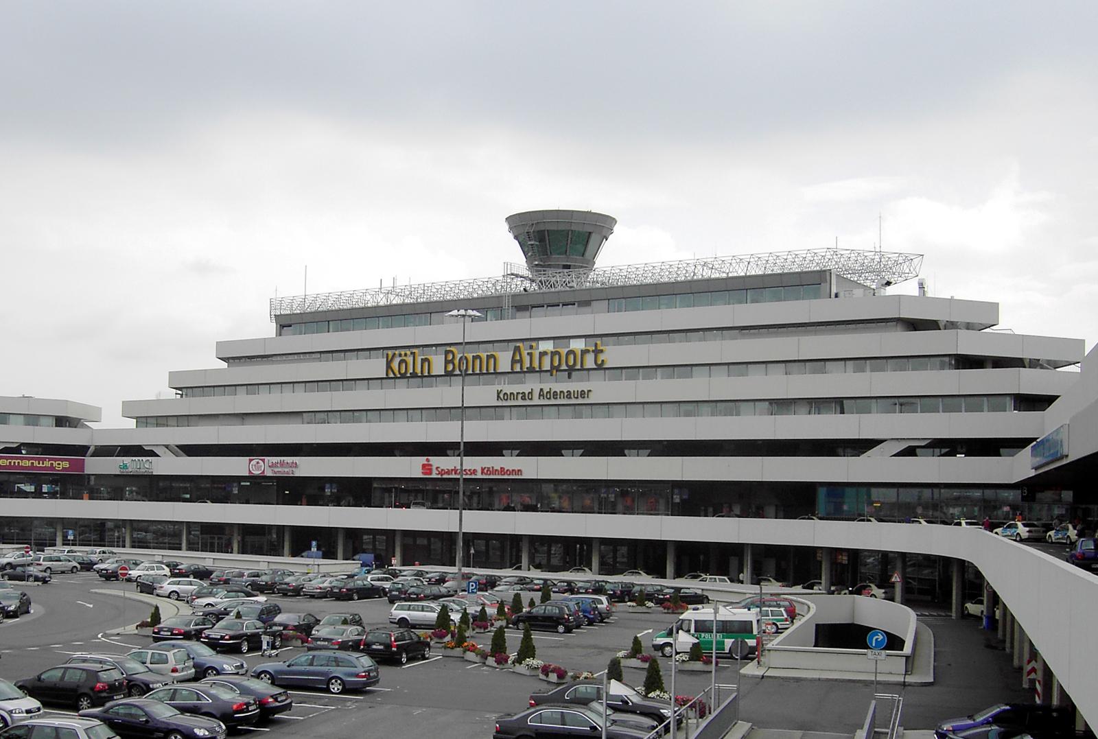 Flughafen Köln/Bonn, Terminal 1, August 2005