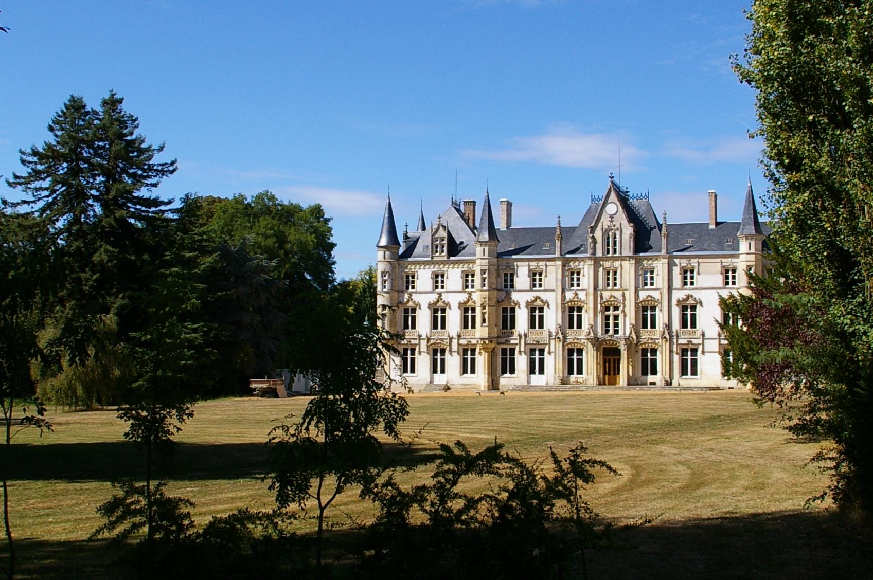 Château de Charbonnières (Eure-et-Loire) - Wikipedia