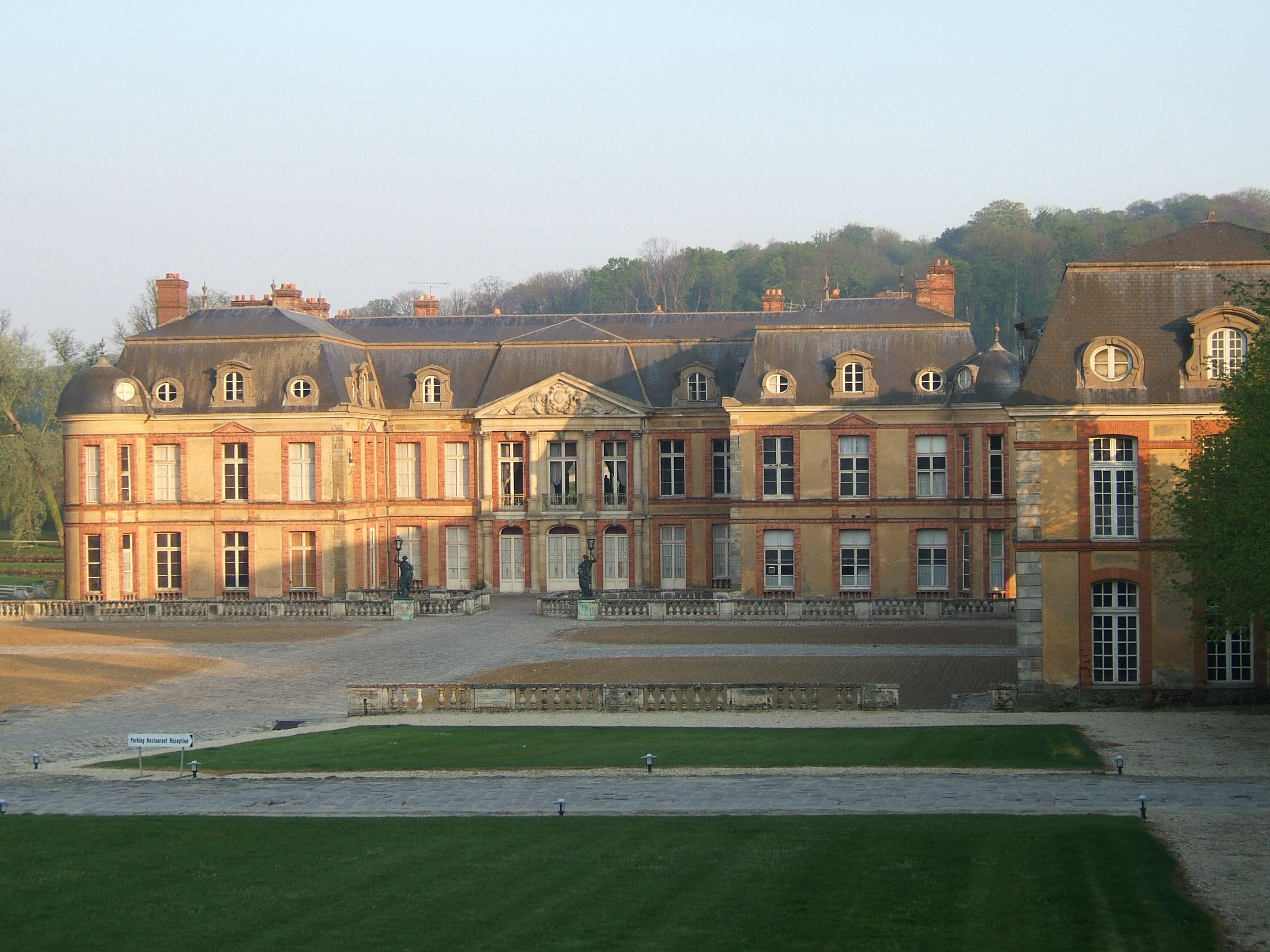 File wikimedia commons for Chateaux en yvelines