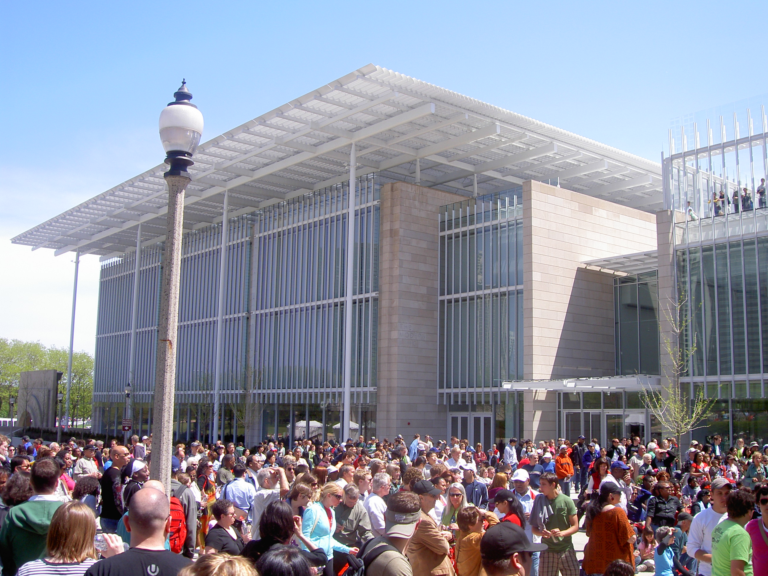 file chicago art institute modern wing opening weekend jpg