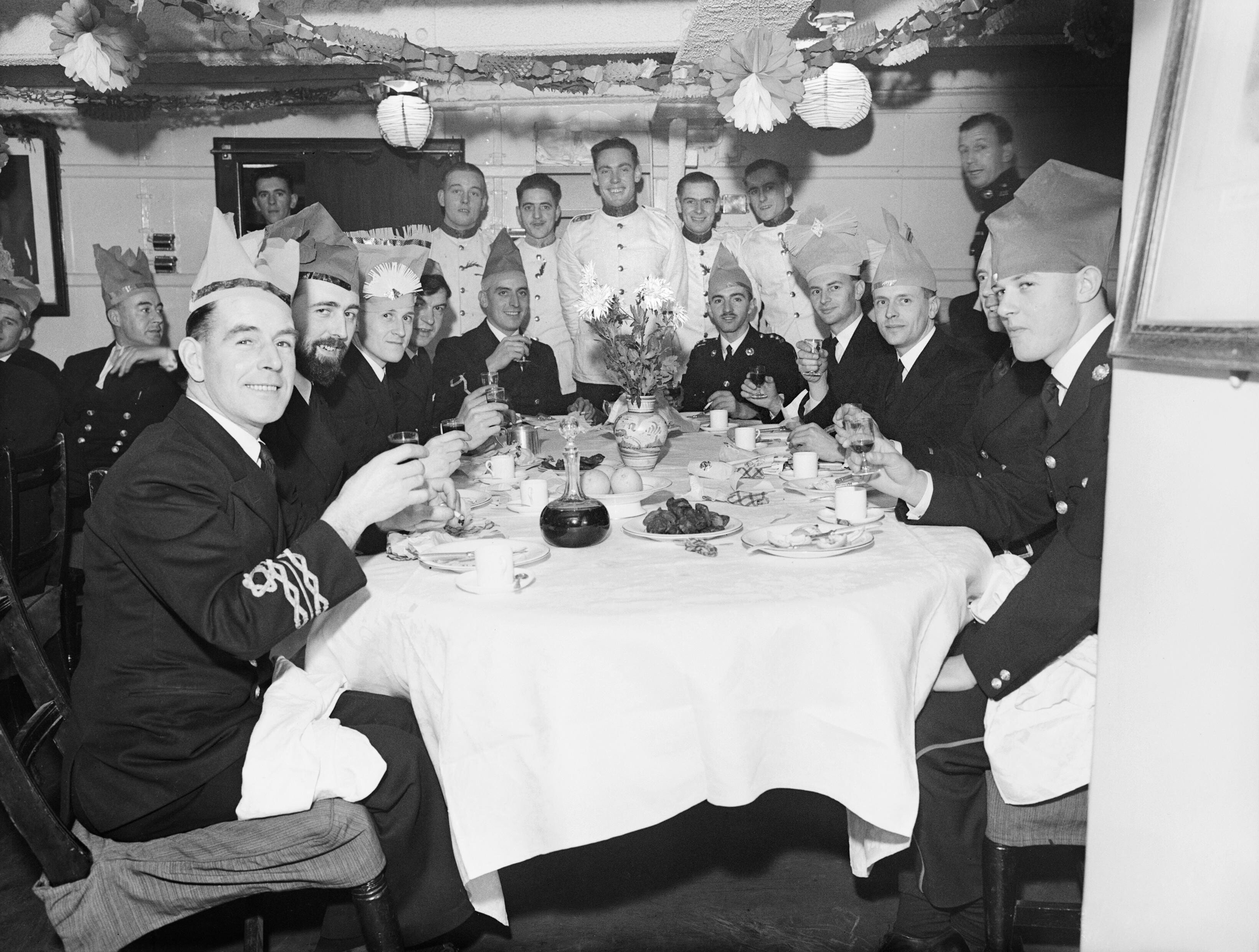 FileChristmas Dinner In The Wardroom Of HMS MALAYA At Scapa Flow 25 December