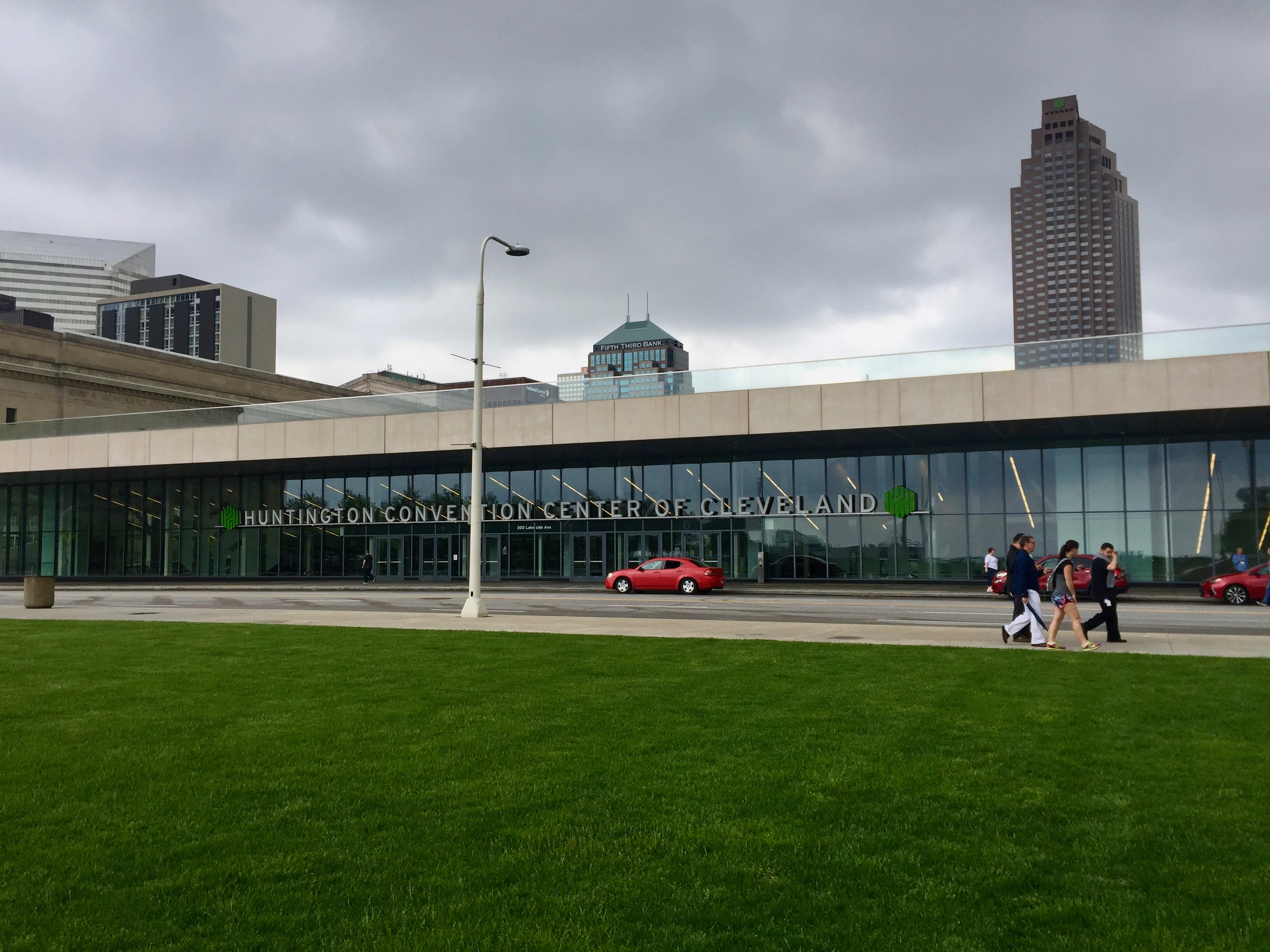 File:Convention Center, Cleveland, OH (27420329577).jpg