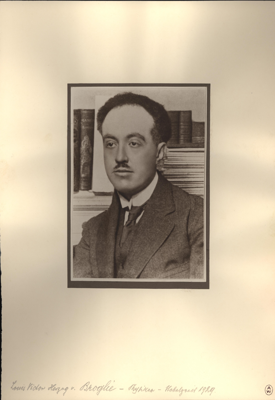Louis De Broglie Atomi...