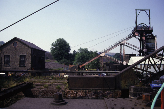 File:Deep Navigation Colliery, Treharris - geograph.org.uk - 754972.jpg