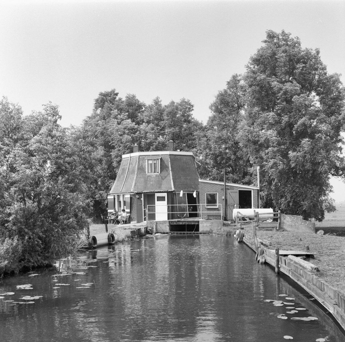 File:Exterieur polder Gnephoek - Alphen aan den Rijn - 20007721 - RCE.jpg