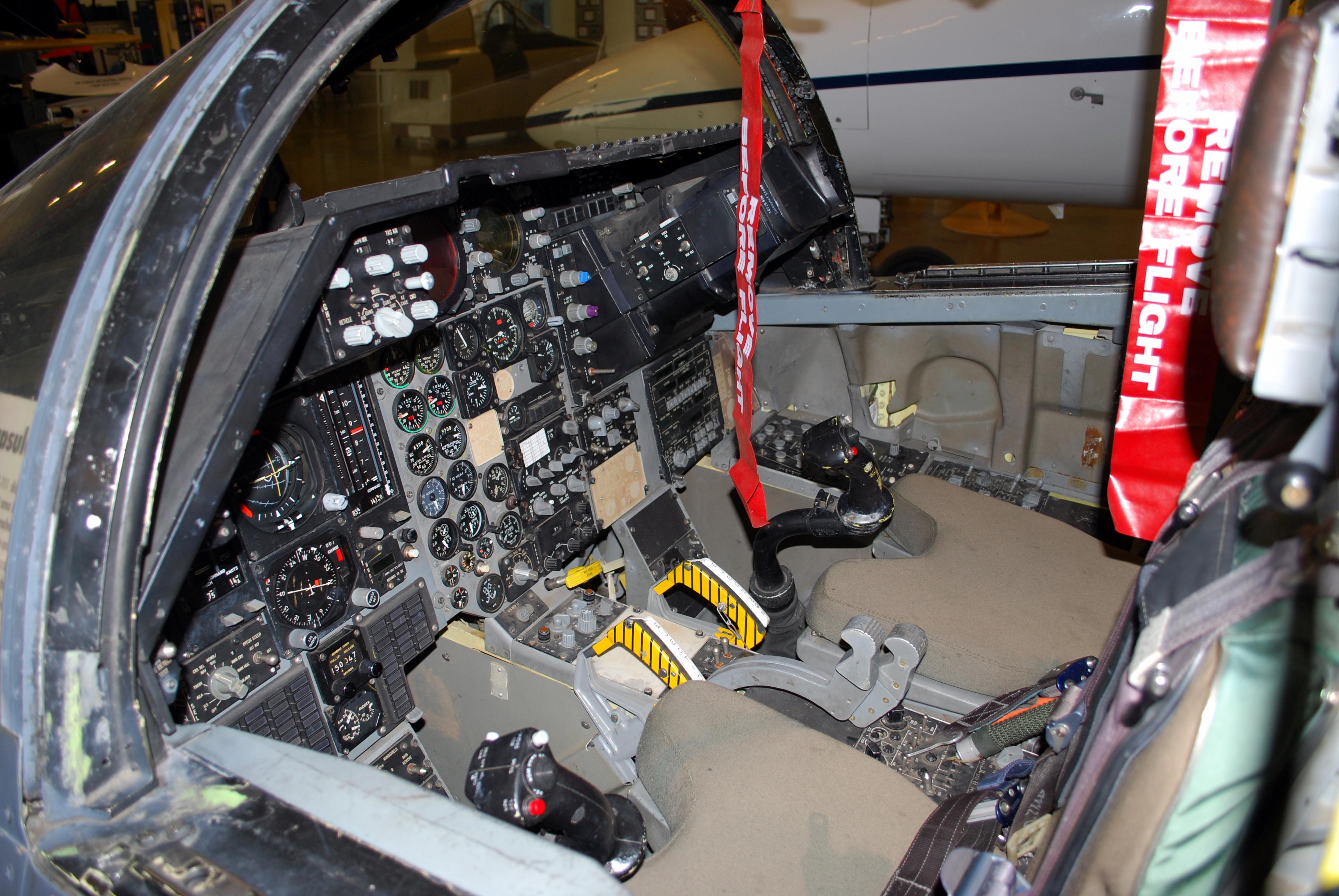 General Dynamics F-111 – Aeroclub Modena
