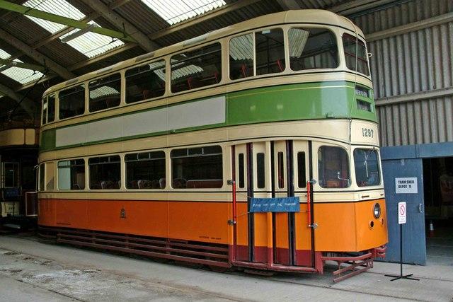 "File:Glasgow ""Cunarder"" tram No. 1297 at Crich - geograph.org"