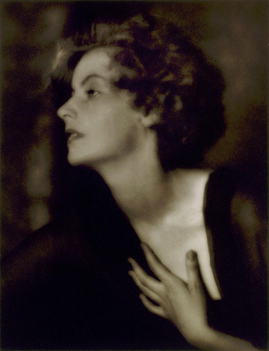 [Image: Greta_Garbo_1925_by_Genthe.jpg]